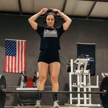 beginner-powerlifter-deadlift